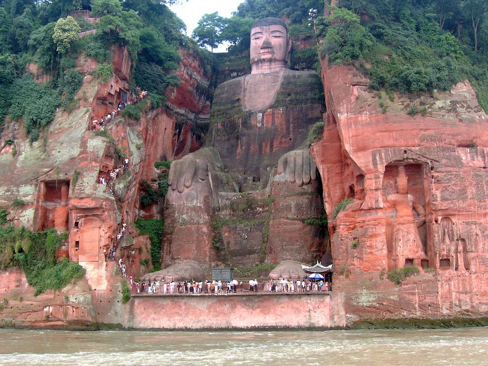 Statua di Maitreya