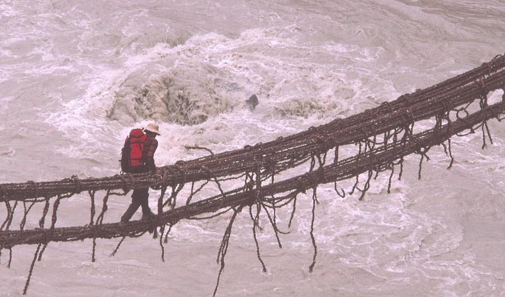 Attraversamento del fiume Braldu in Pakistan
