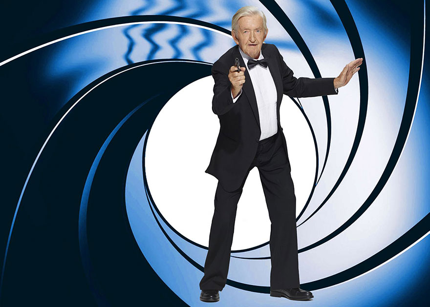 James Bond con anziani