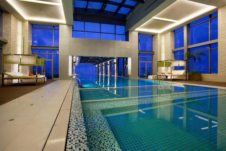 Piscina di Holiday Inn Shanghai Pudong Kangqiao
