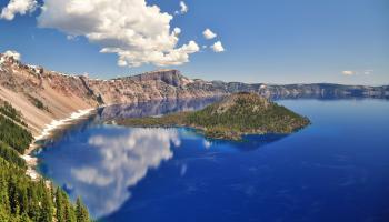 Crater Lake in Oregon, il lago più profondo degli Stati Uniti